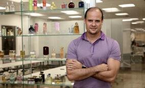 """""""Quebrei na pessoa física para não deixar meu negócio quebrar"""" - Alexandre Serodio, Beleza na Web"""