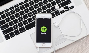 Apple x Spotify: o embate cultural que diz muito sobre o futuro