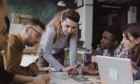 Quando o time não cabe mais em uma sala gestão de pessoas para empresas de alto crescimento