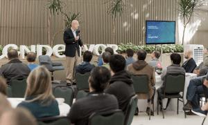 """""""Todo dia tem que parecer o dia 1"""": o que aprendemos no Encontro dos Empreendedores Endeavor 2017"""
