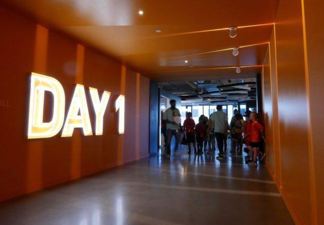 Por dentro do Day1 Building, o prédio da Amazon que reafirma a filosofia de todo dia ser o dia 1.