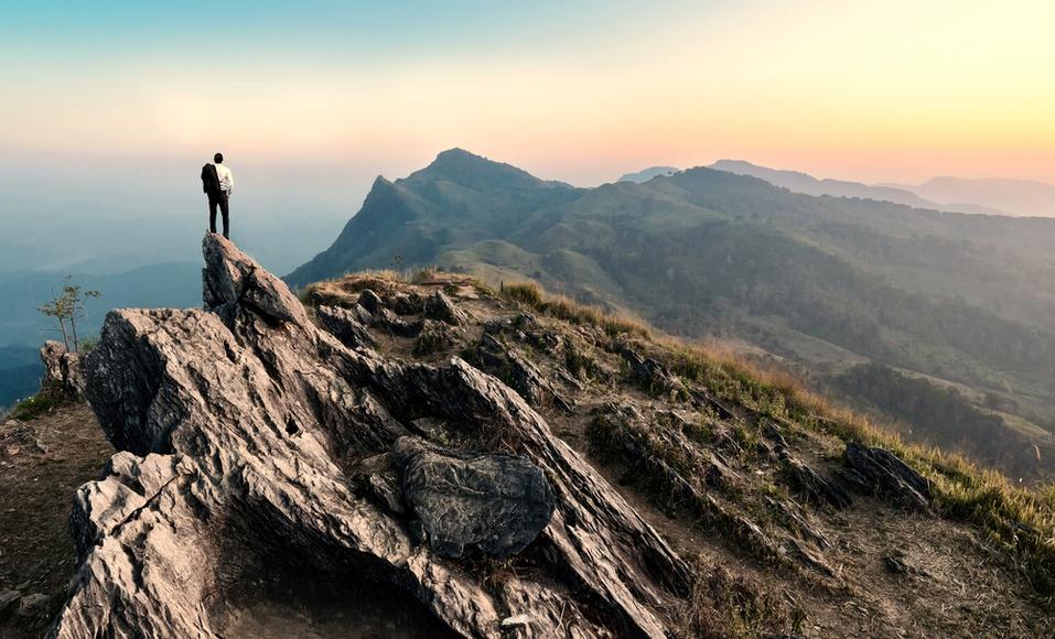"""Você delega ou """"delarga""""? Veja como aprimorar uma habilidade fundamental para a sua liderança"""
