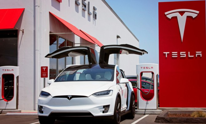 Elon Musk e a Tesla