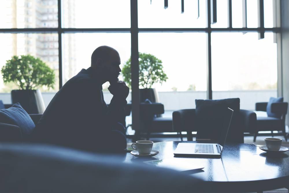 Empreender adquirindo uma empresa pronta: vantagens e procedimento