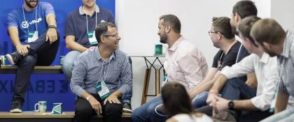 Caminhos para a inovação aberta: como a aceleração ajudou a Visaa se conectar com scale-ups